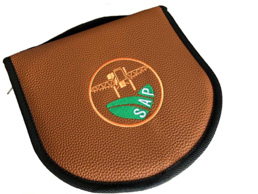Set de asado redondo cuero ecológico texturado personalizado  (SAS006) - Fianchini